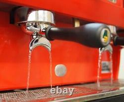 Cma Astoria 2 Groupe Lisa Gras Rouge À Lèvres Rouge Café Espresso Machine- Simplement Wow