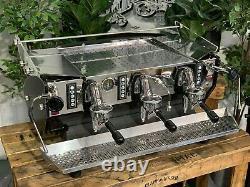 Kees Van Der Westen Mirage 3 Groupe Noir Côtés Espresso Machine À Café Cafe Bar
