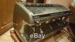 La Cimbali M39 Dosatron Machine À Café Commercial 4 Groupes