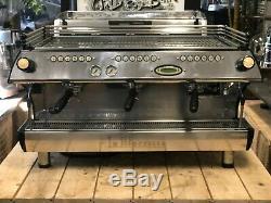 La Marzocco Fb80 3 Groupe Noir Espresso Machine À Café Restaurant Cafe Latte Cup
