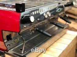 La Marzocco Gb5 Rouge Et Noir Mat 3 Groupe Espresso Machine À Café Restaurant