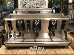 La San Marco 100e Gris Foncé 3 Groupe Espresso Machine À Café Restaurant Bean Cafe