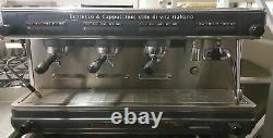 Lacimbali M32 Dosatron 3 Groupes Commercial Espresso Machine. Entretien Et Nettoyage