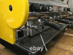 Saint-marin Lisa 3 Groupe Jaune Espresso Machine À Café Restaurant Cafe Latte Cup