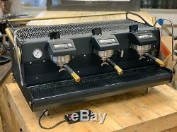 Synesso Sabre 3 Groupe Black Gold Espresso Machine À Café Personnalisée Café Commercial